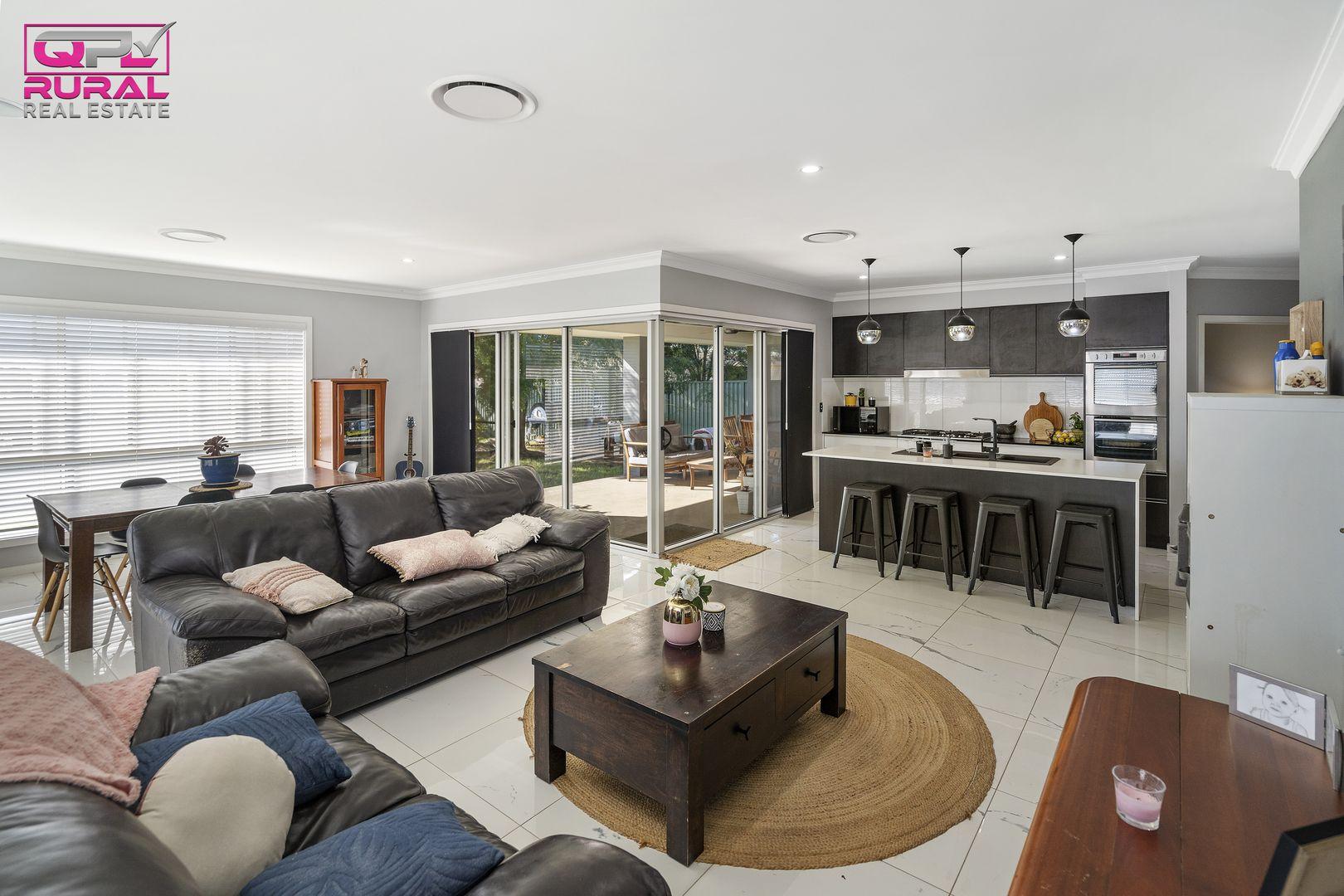 9 Joffre Street, Temora NSW 2666, Image 2