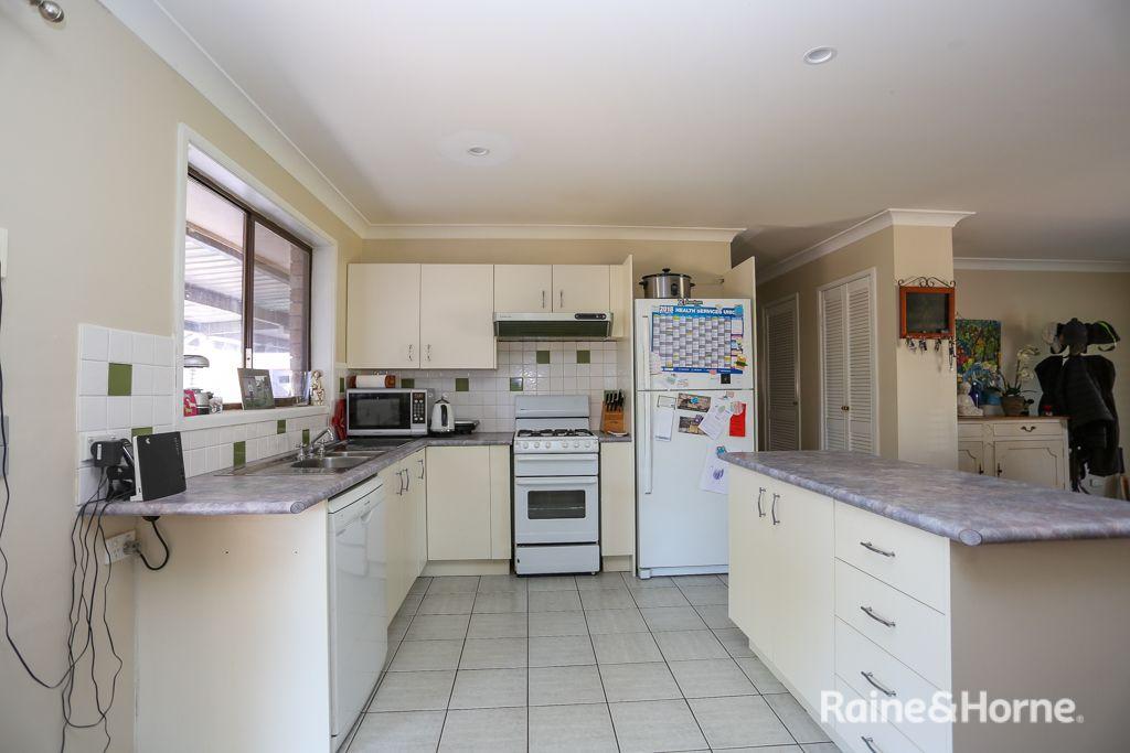 7 Halsted Street, Eglinton NSW 2795, Image 2