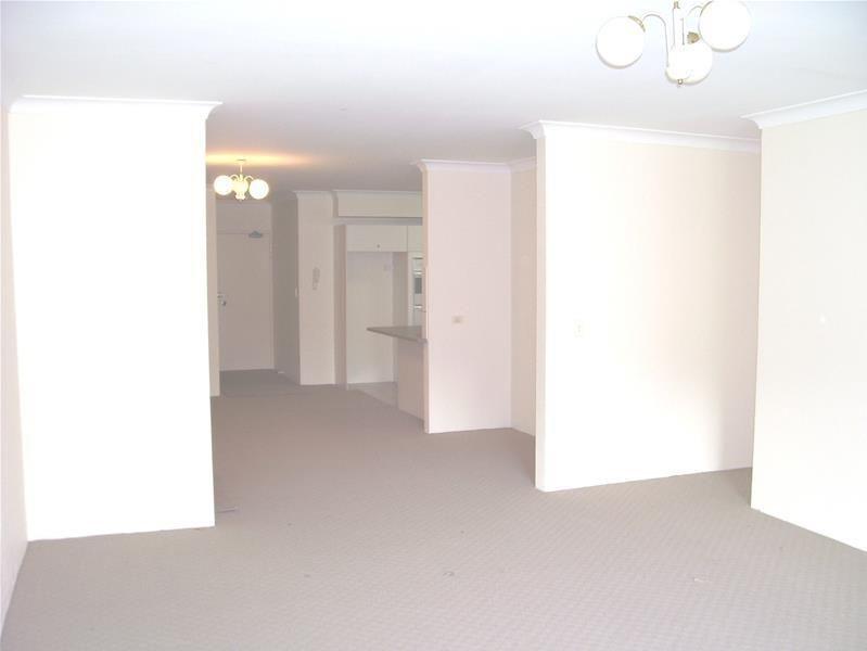 26/10-14 WARBURTON Street, Gymea NSW 2227, Image 2