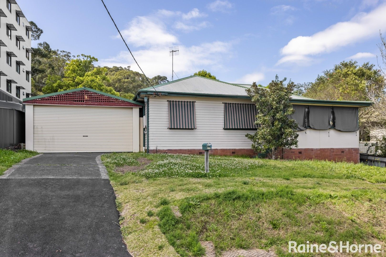 21 Young Street, West Gosford NSW 2250, Image 0