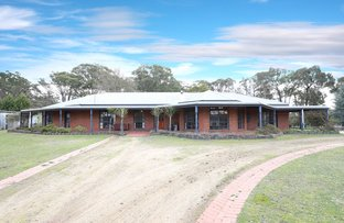 Picture of 59 Coffeys Rd, Bullengarook VIC 3437