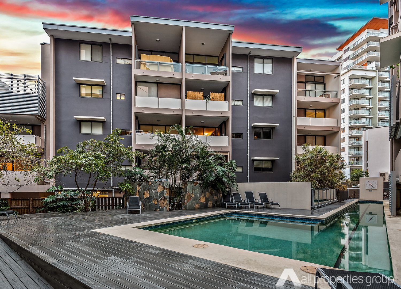 301/5 Manning Street, South Brisbane QLD 4101, Image 2