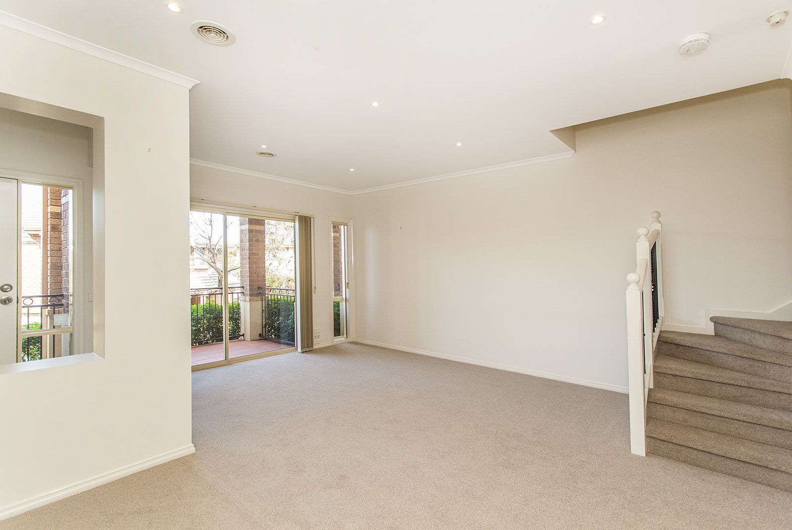 6 Peregrine Court, Viewbank VIC 3084, Image 2