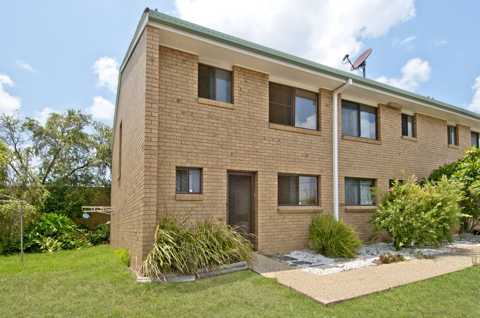 1/1B Guinevere Ct, Bethania QLD 4205, Image 0