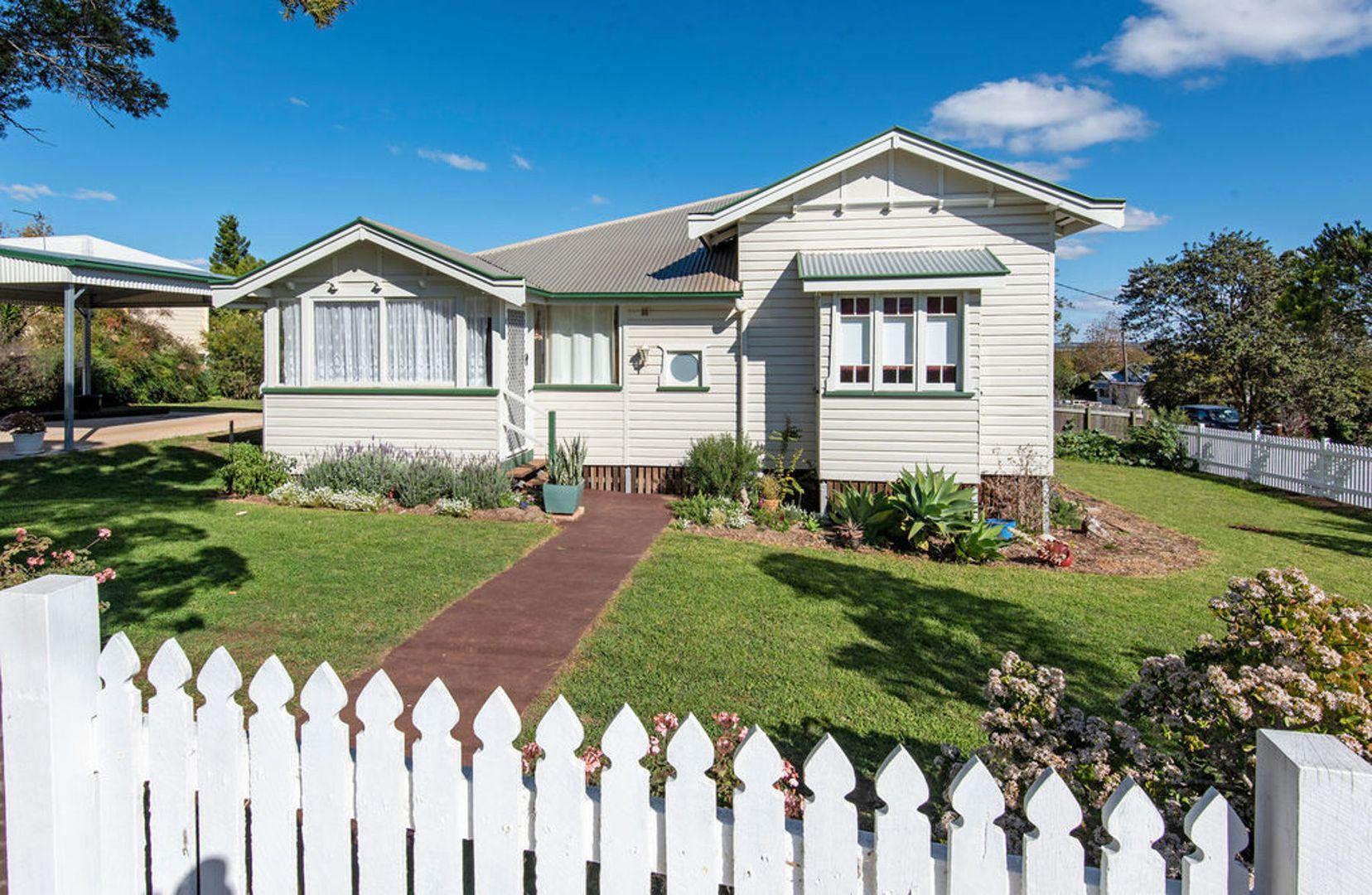 50 Jellicoe Street, Mount Lofty QLD 4350, Image 0