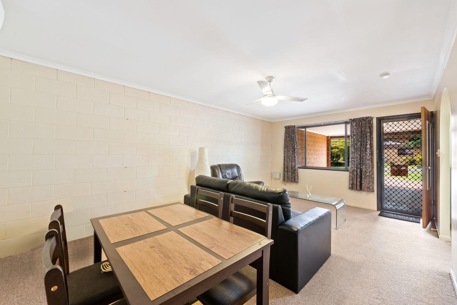 1 & 2/10 Eunice Court, Kearneys Spring QLD 4350, Image 2