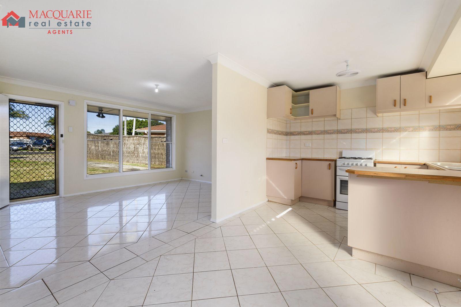 12 Wraysbury Place, Oakhurst NSW 2761, Image 2