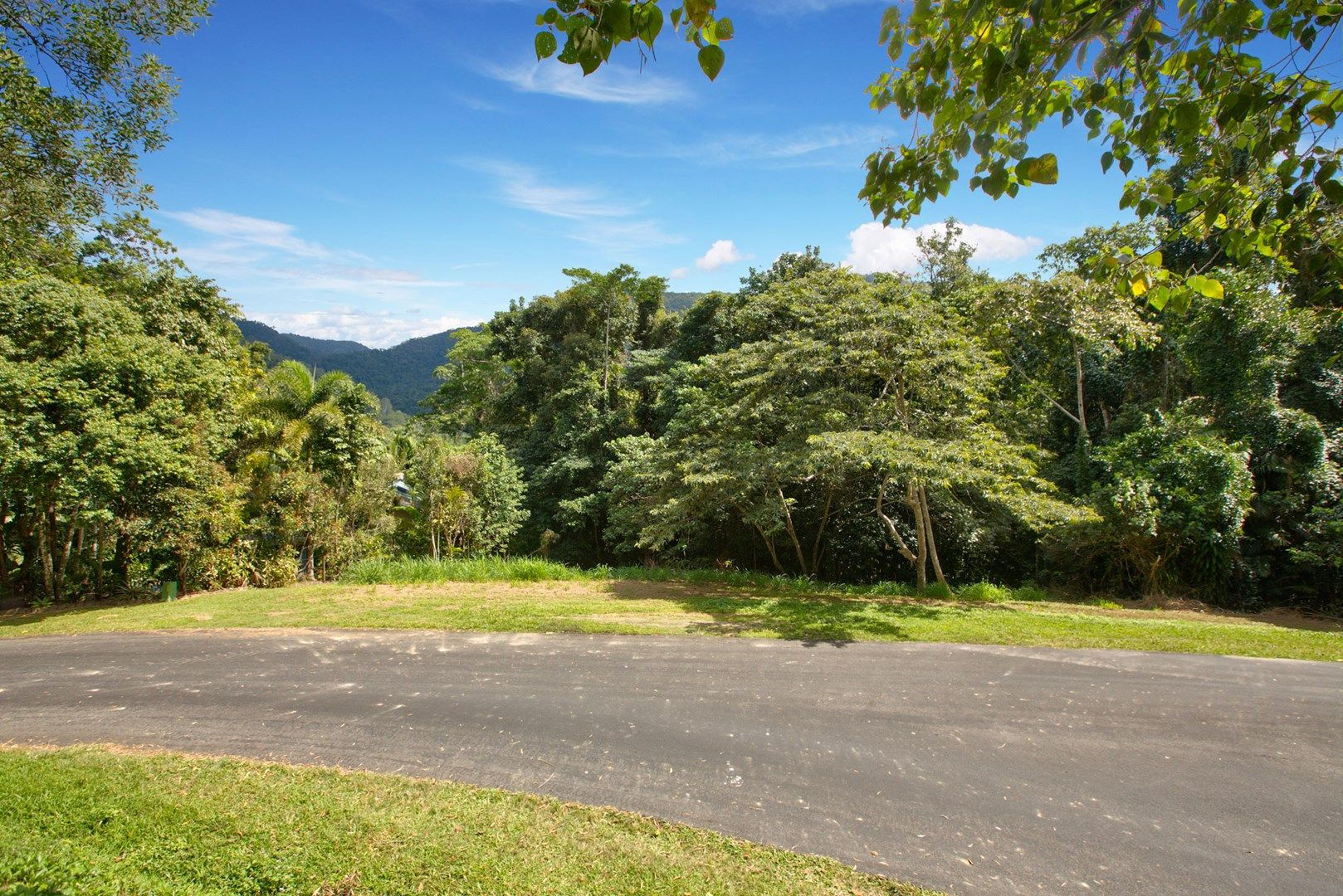 21-23 Frond Close, Redlynch QLD 4870, Image 0