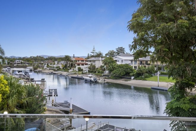 Picture of 1 St Raphael Terrace, SORRENTO QLD 4217