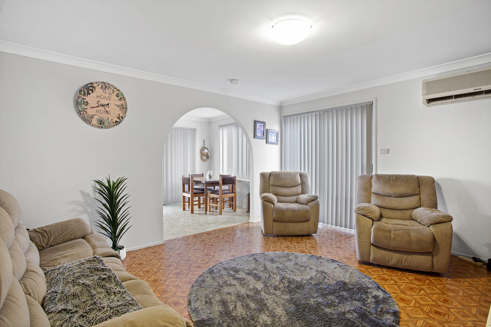 37 Nagle Crescent, Blue Haven NSW 2262, Image 2