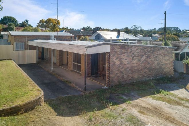 Picture of 4 MacArthur Street, SOLDIERS HILL VIC 3350