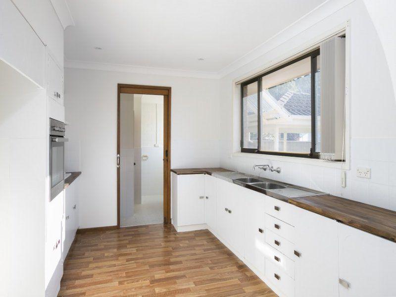 16 Kookaburra Place, Barrack Heights NSW 2528, Image 1