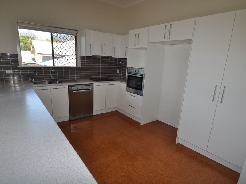 187 McIlwraith Ave, Norman Park QLD 4170, Image 2