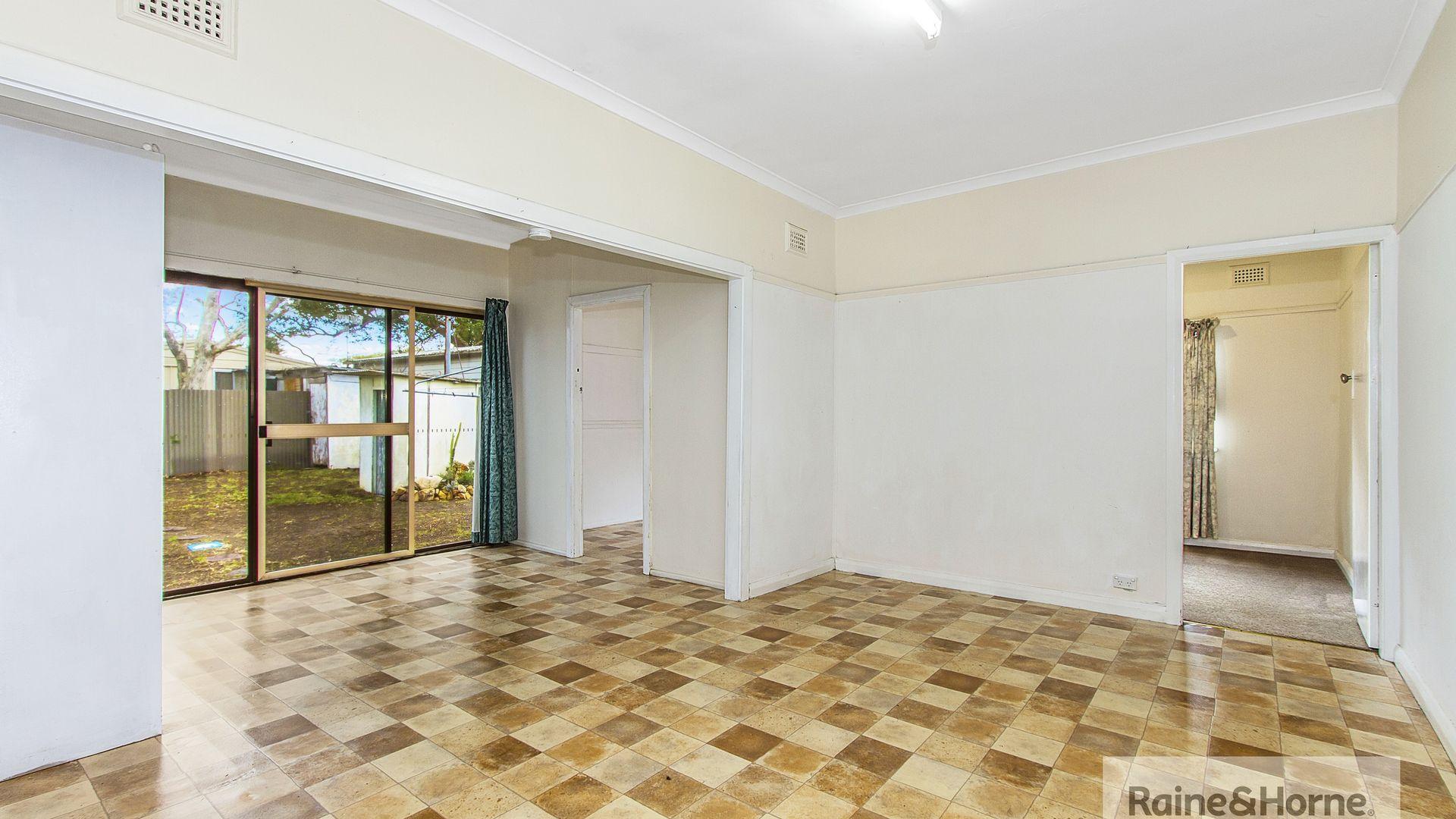 61 Banksia Street, Ettalong Beach NSW 2257, Image 2