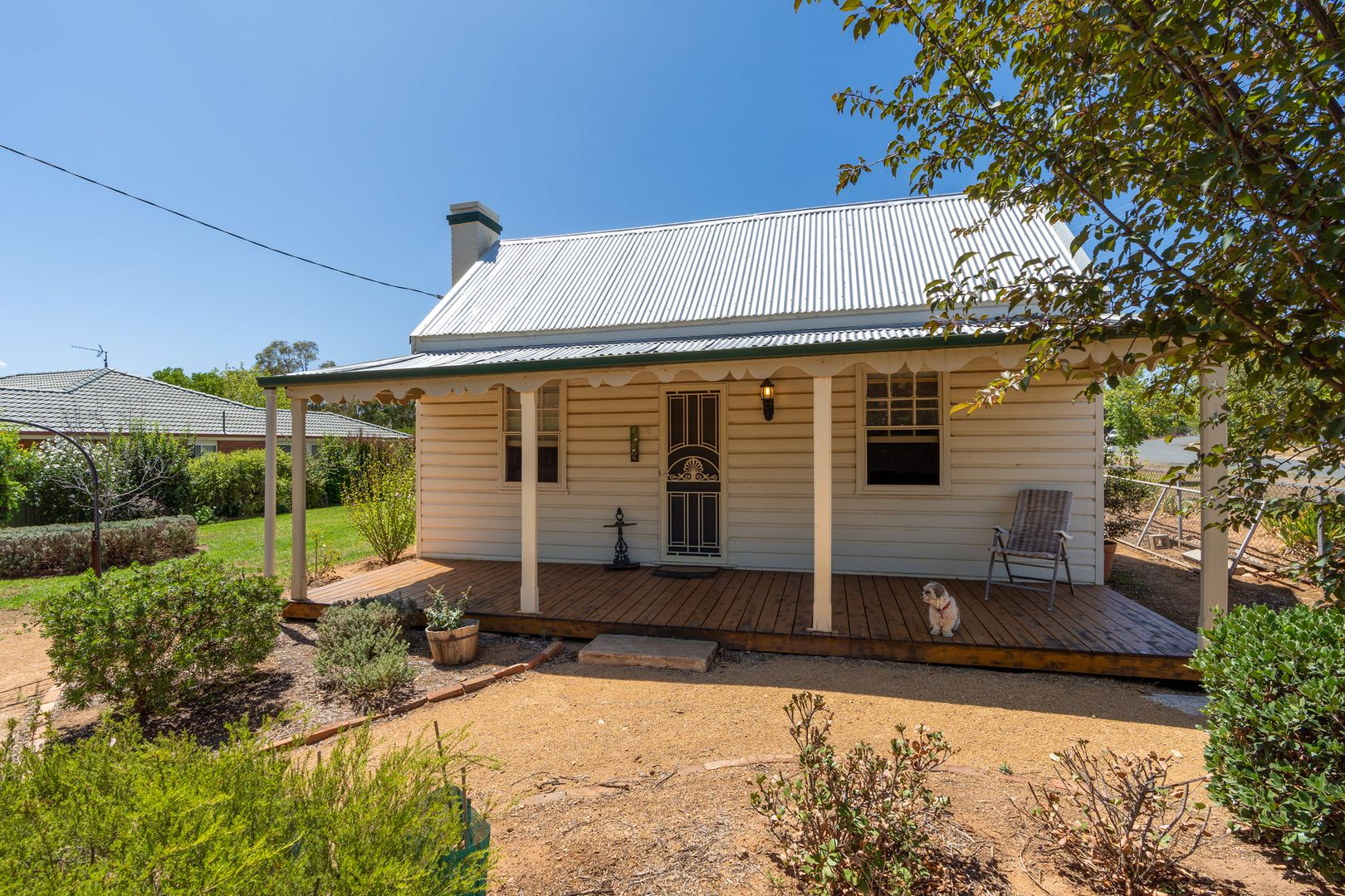 42 Warraderry Street, Grenfell NSW 2810, Image 2