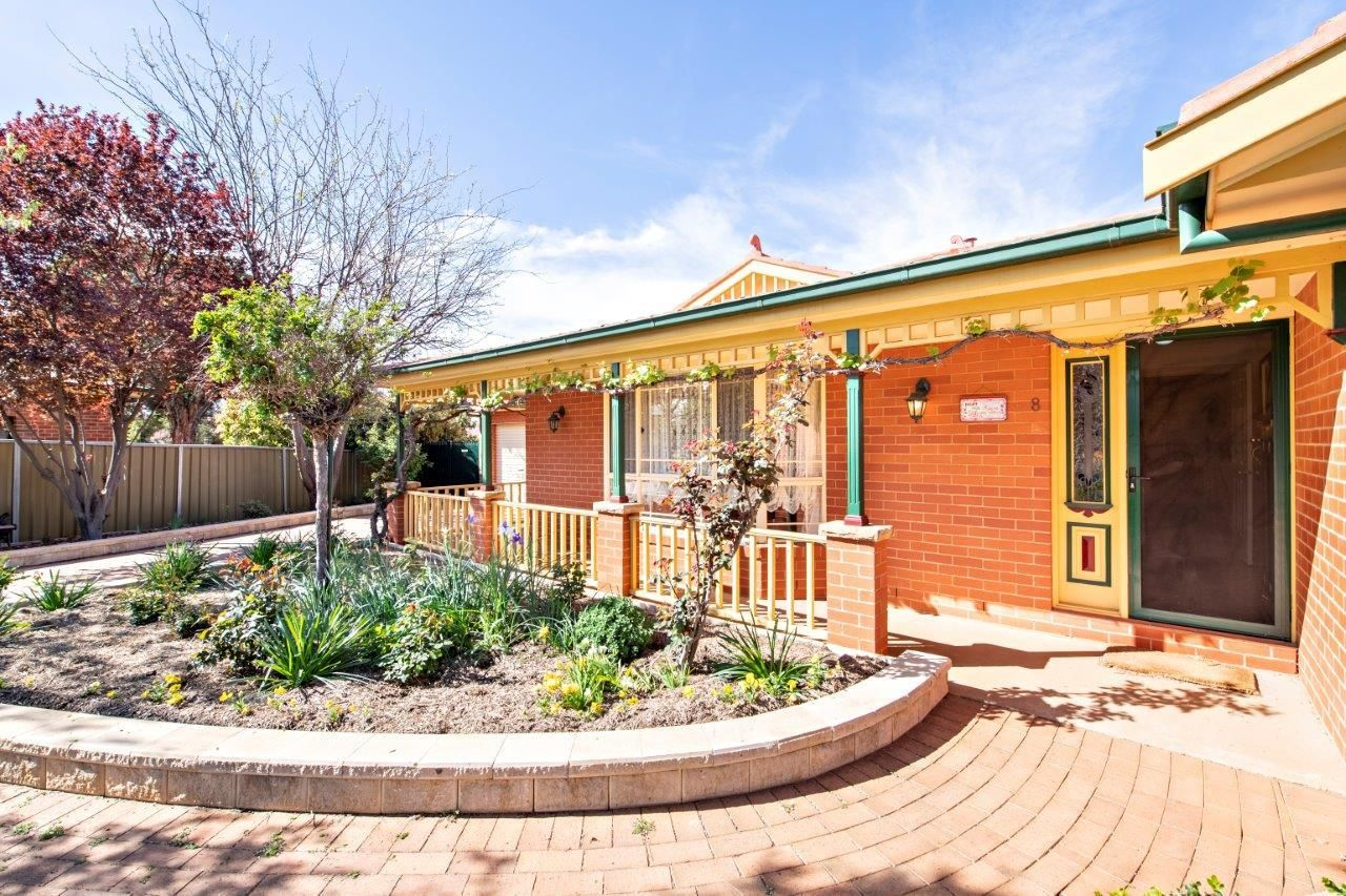8 Poidevin Place, Dubbo NSW 2830, Image 2