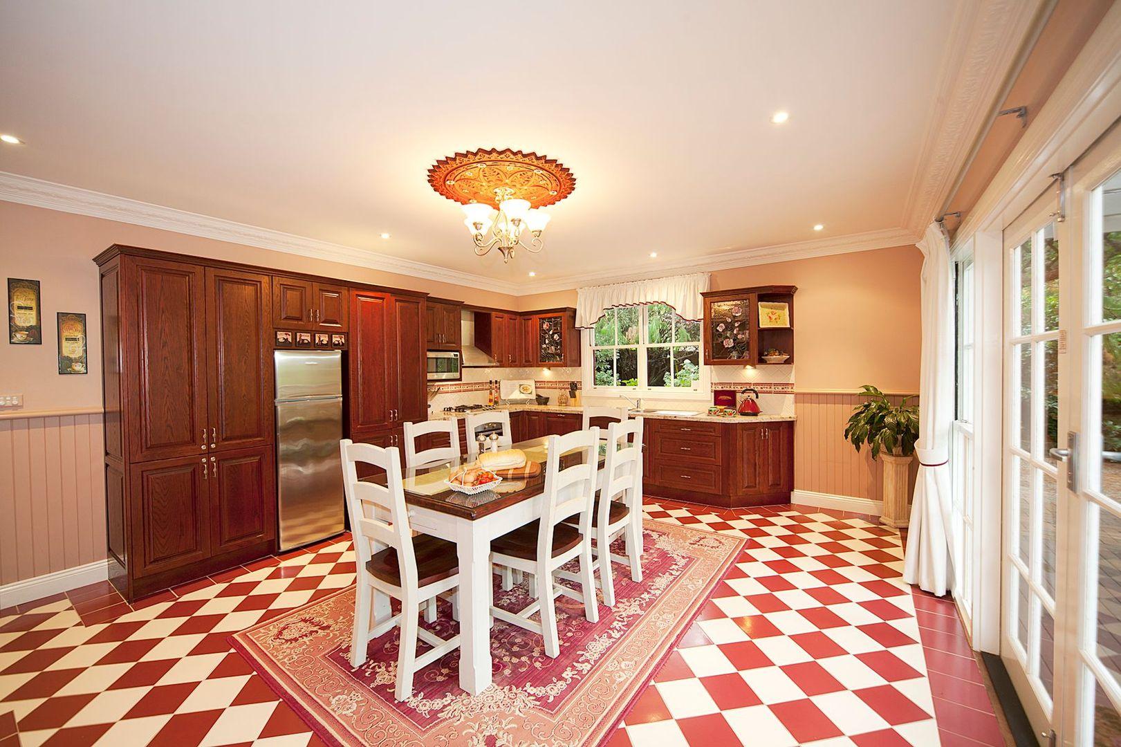 17 Woodford Street, Leura NSW 2780, Image 2
