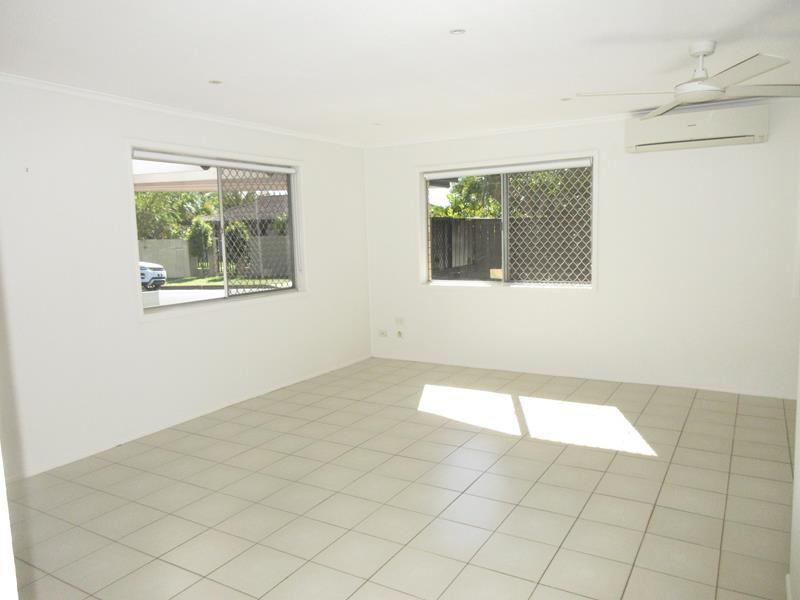 24 Allambi Ave, Broadbeach Waters QLD 4218, Image 1