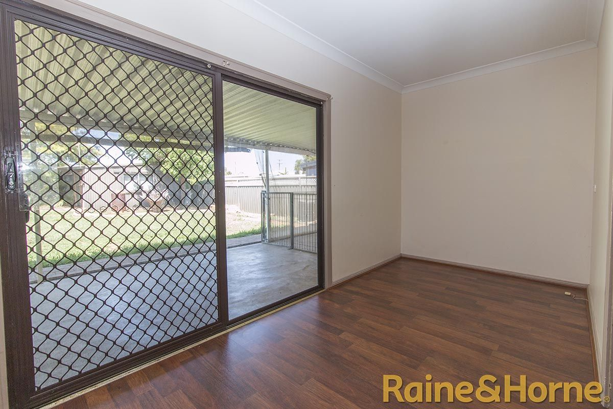 12 Mansour Street, Dubbo NSW 2830, Image 2