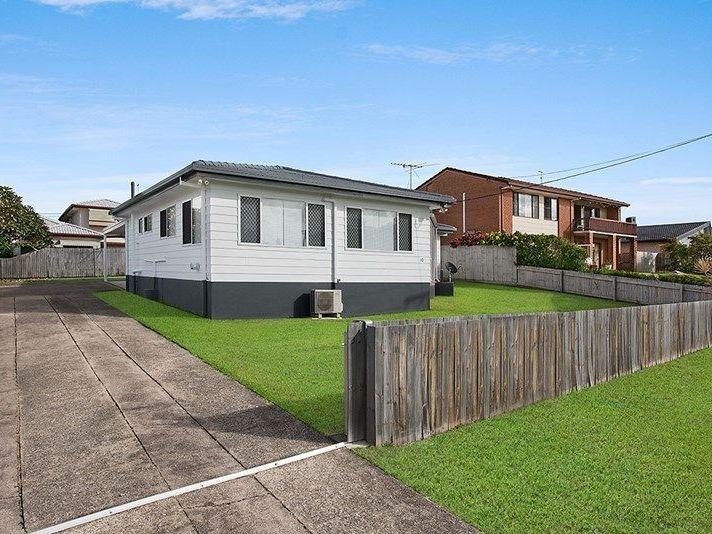 1/10 Wavell Avenue, Golden Beach QLD 4551, Image 1
