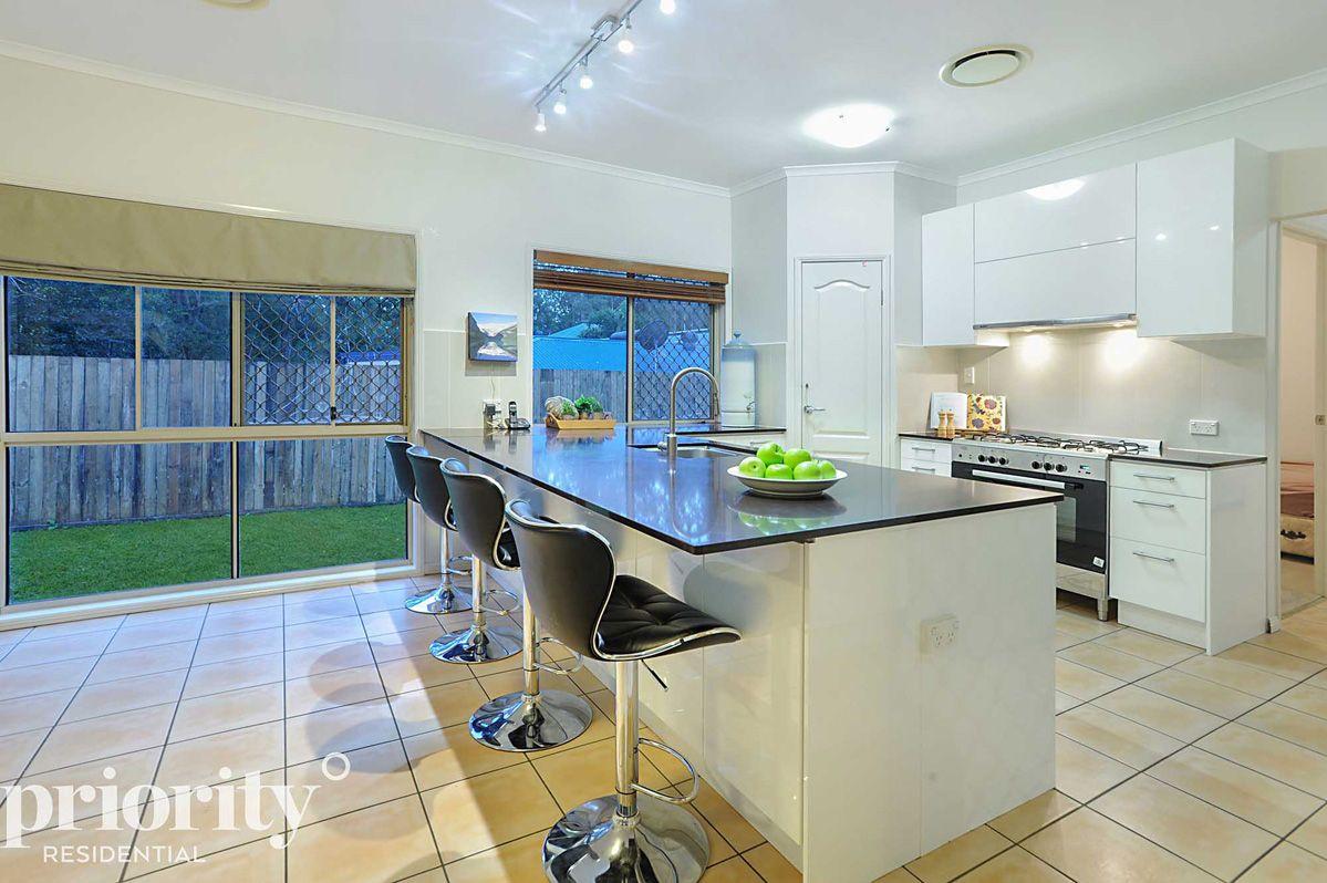 30 Bowers Road North, Everton Hills QLD 4053, Image 0