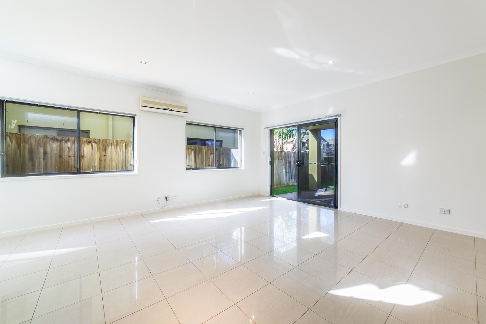 11/431 Oxley Drive, Runaway Bay QLD 4216, Image 2