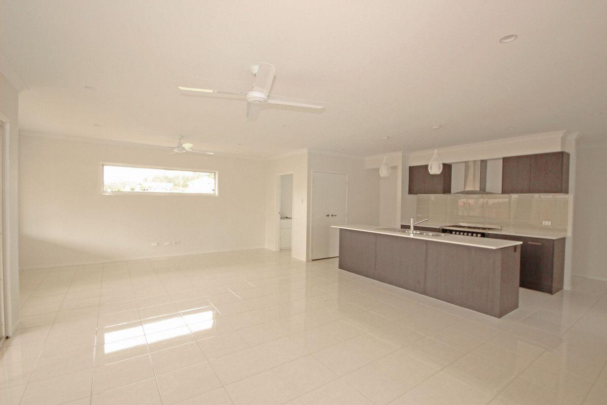 16 Parkway Street, Kuraby QLD 4112, Image 1
