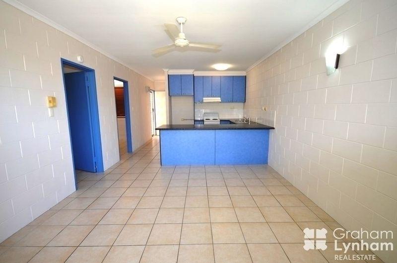 2/135 Eyre Street, North Ward QLD 4810, Image 1