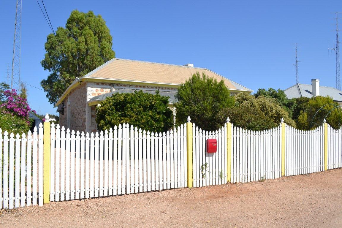 28 Russell Street, Kadina SA 5554, Image 2