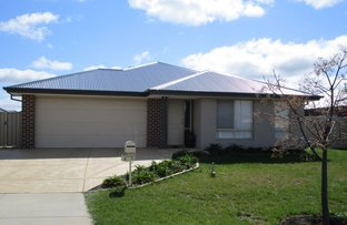 Picture of 8 Dianella Way, Romsey VIC 3434