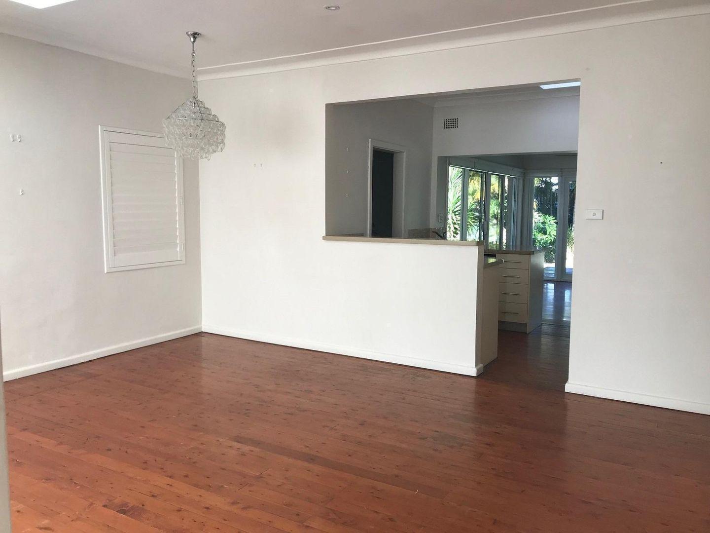 10 Yuruga Avenue, Caringbah South NSW 2229, Image 1