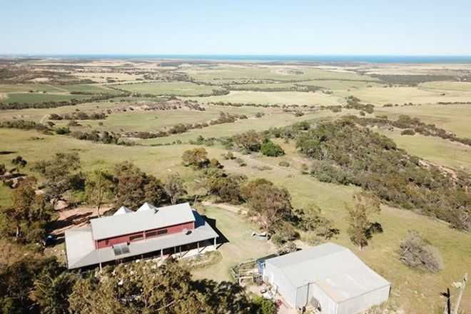 Picture of 69 Bella Vista Road, HOWATHARRA WA 6532