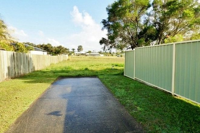 Picture of 25 Canberra Avenue, COOLOOLA COVE QLD 4580