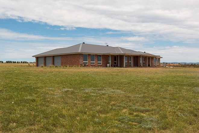 Picture of 22 Meadow Lane, GOULBURN NSW 2580