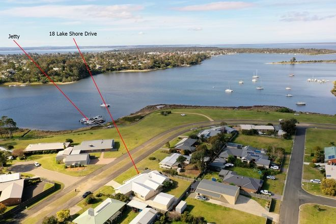 Picture of 18 Lake Shore Drive, NEWLANDS ARM VIC 3875