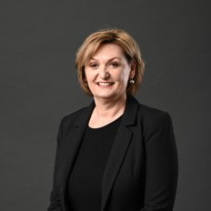 Aileen Giumelli, Sales representative