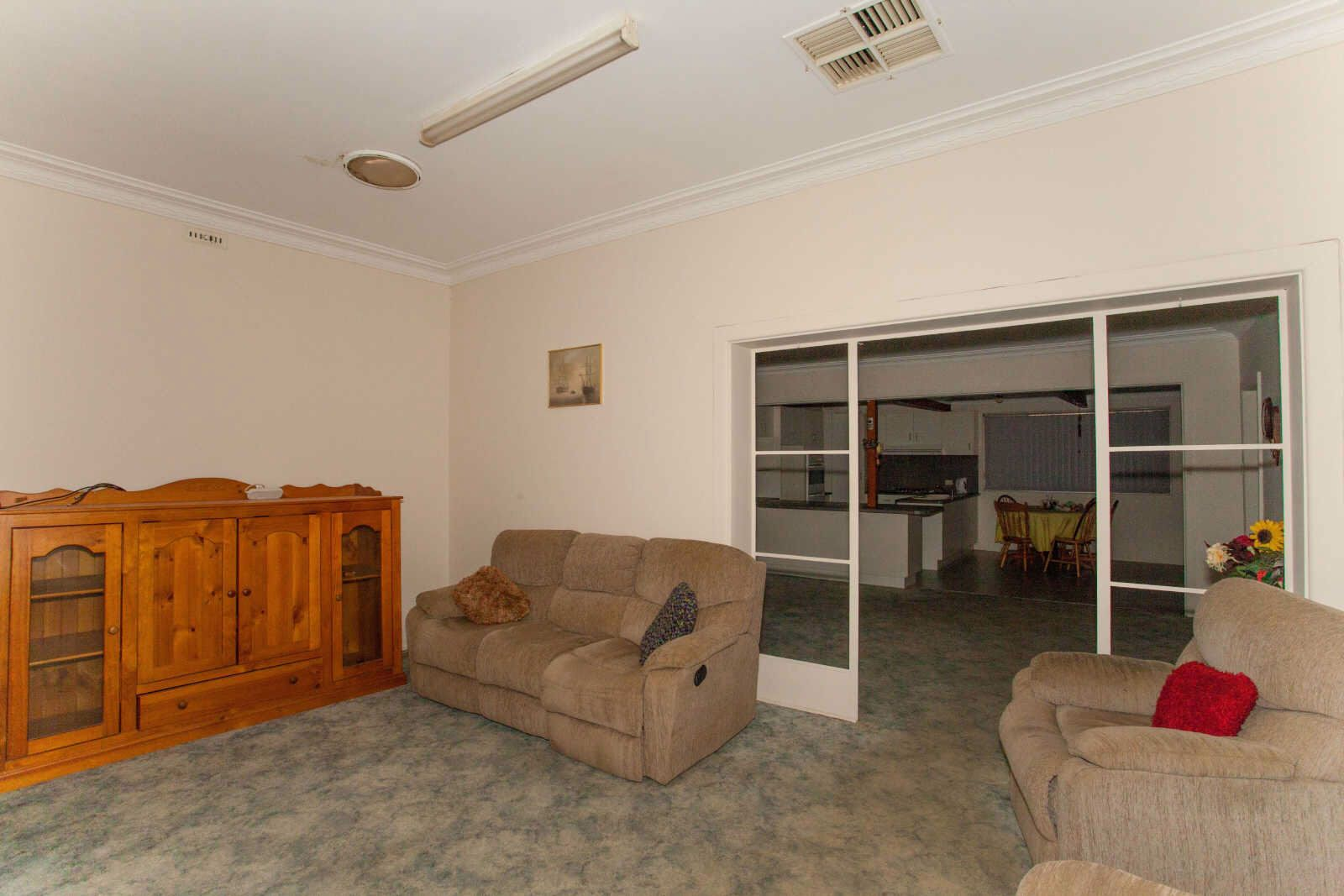 76 Arthur Street, Wellington NSW 2820, Image 2