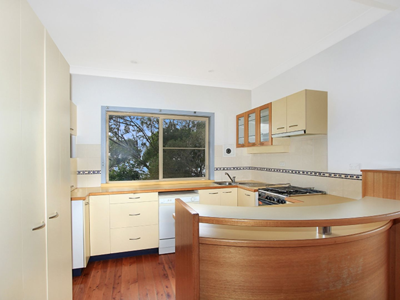 5 Denmark Street, Wombarra NSW 2515, Image 2