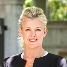 Kim McQueen, Sales representative