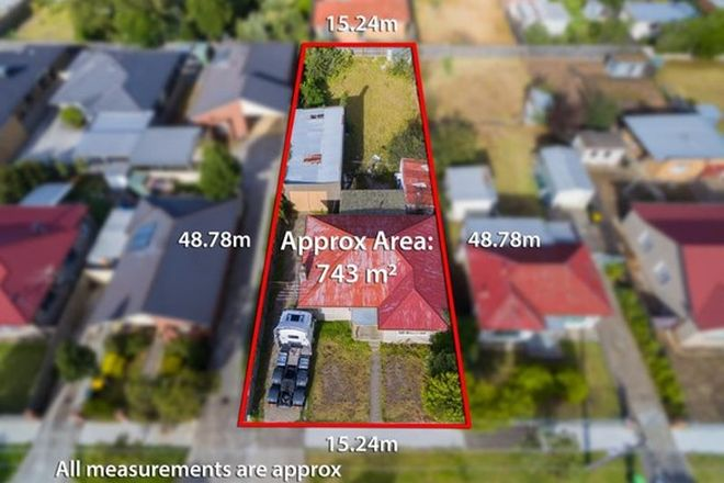 Picture of 34 Pennell Avenue, ST ALBANS VIC 3021