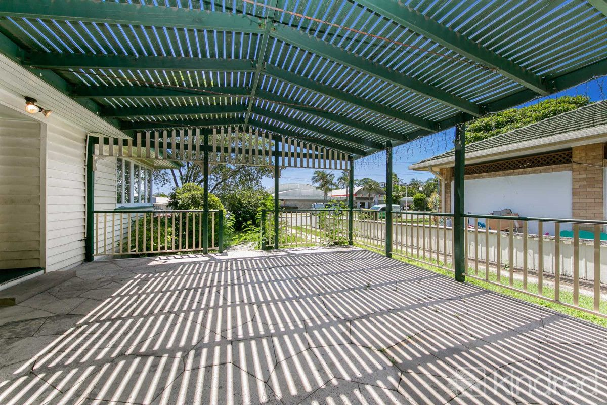 4 bedrooms House in 41 Sydney Street REDCLIFFE QLD, 4020