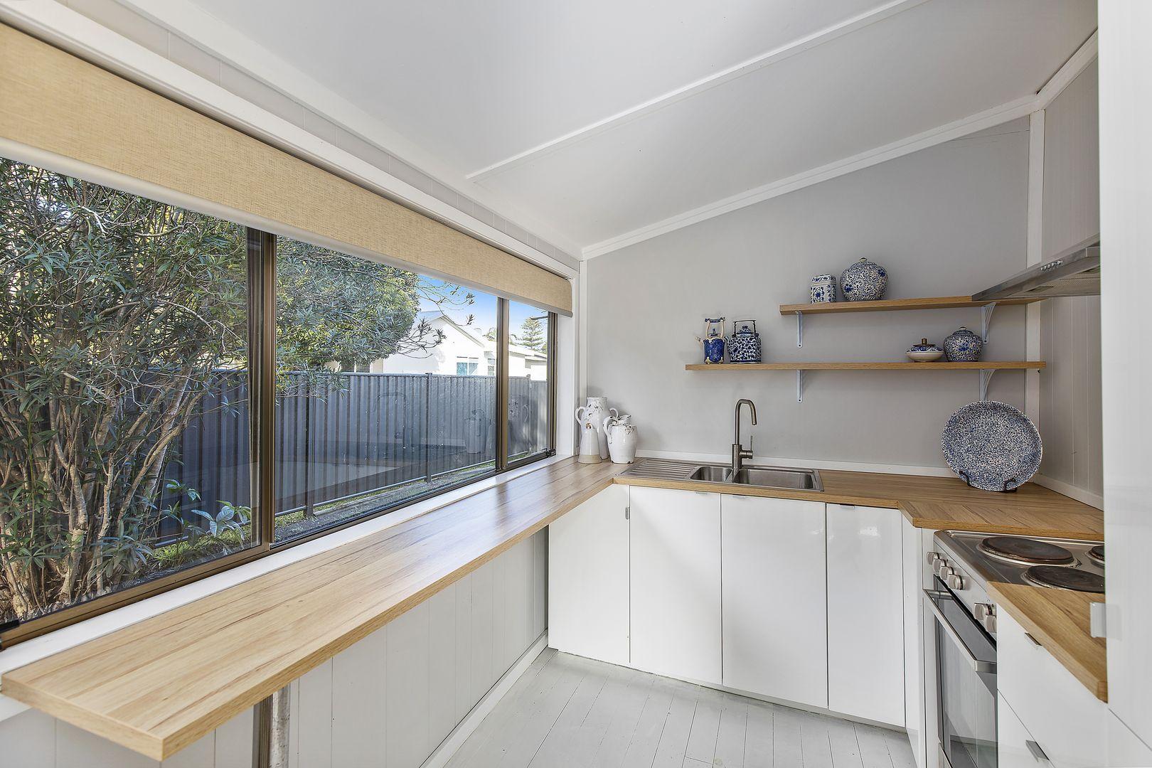 8 Gallipoli  Avenue, Blackwall NSW 2256, Image 1