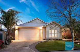 Picture of 6 Scotsburn Place, Caroline Springs VIC 3023