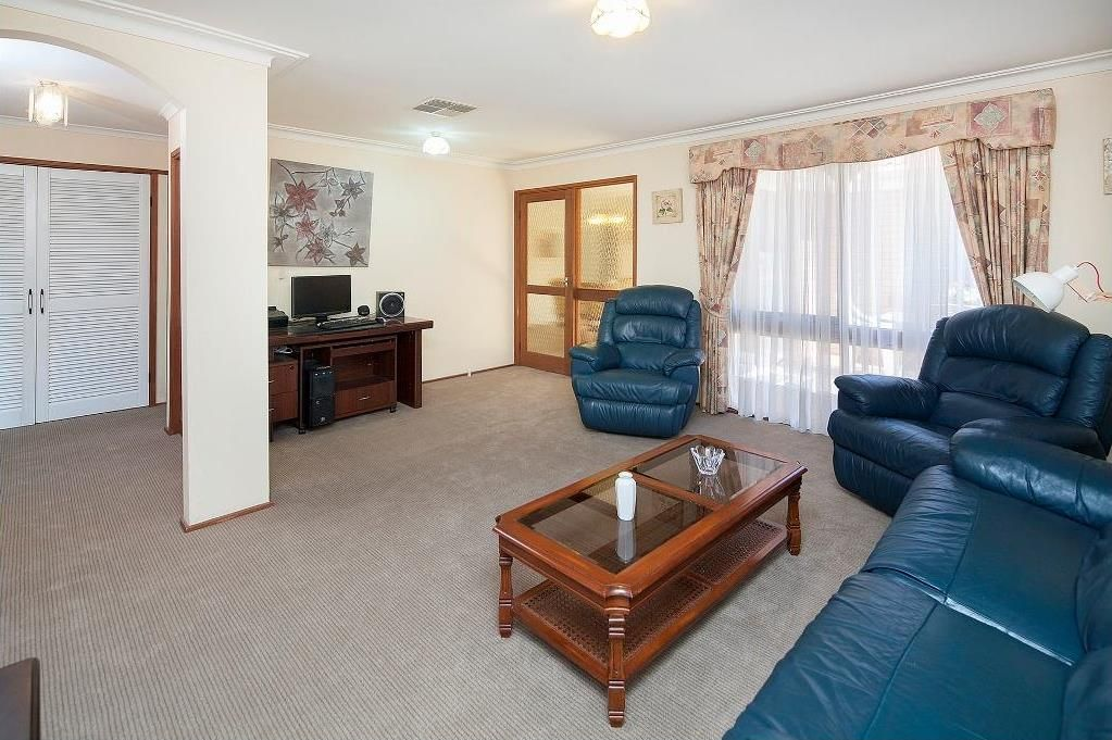 6 Primrose Hill Close, Endeavour Hills VIC 3802, Image 1