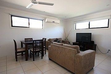 34/5 Atkinson Street, Middlemount QLD 4746, Image 2