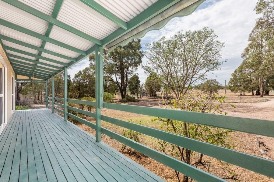 7 Primrose Place, Regency Downs QLD 4341, Image 1