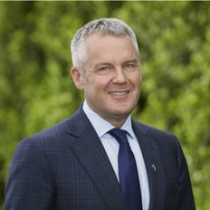 Andrew Macmillan, Sales representative