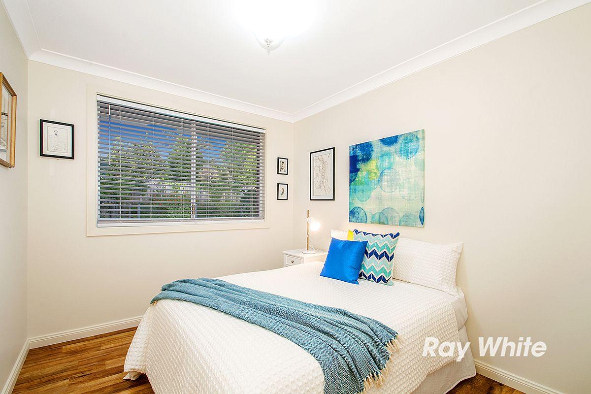 98 Fishburn Crescent, Castle Hill NSW 2154, Image 2
