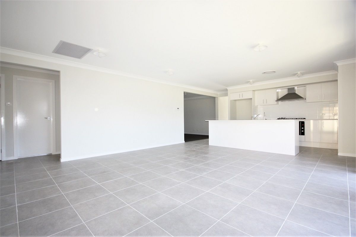 10 Kenway Street, Oran Park NSW 2570, Image 1