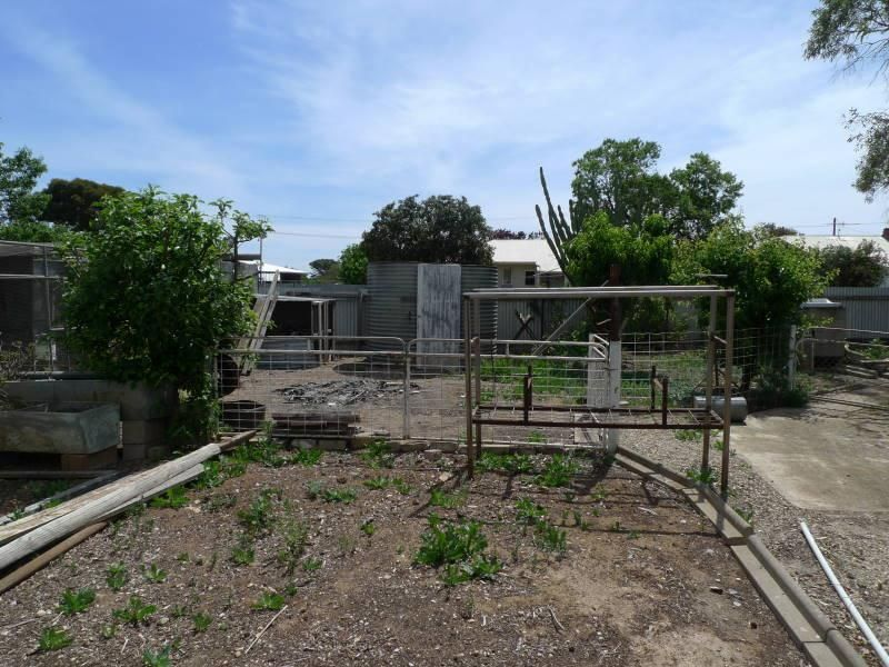 8 Melrose Street, Maitland SA 5573, Image 2